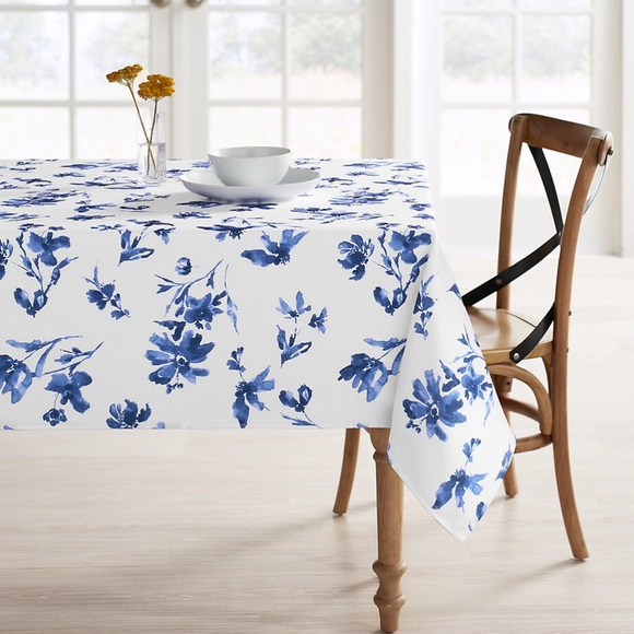Food Network Floral Medallion Print 60 x 84 in Oblong Fabric Tablecloth